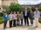 Les législateurs en herbe, aux côtés de Joël Giraud, député des Hautes-Alpes, et accompagnés par Mme Magali Villard-Mazzola, directrice de l'école, et Mme Geneviève Busson